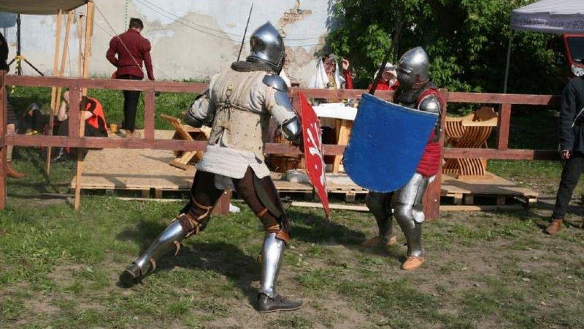rycerze podczas walki