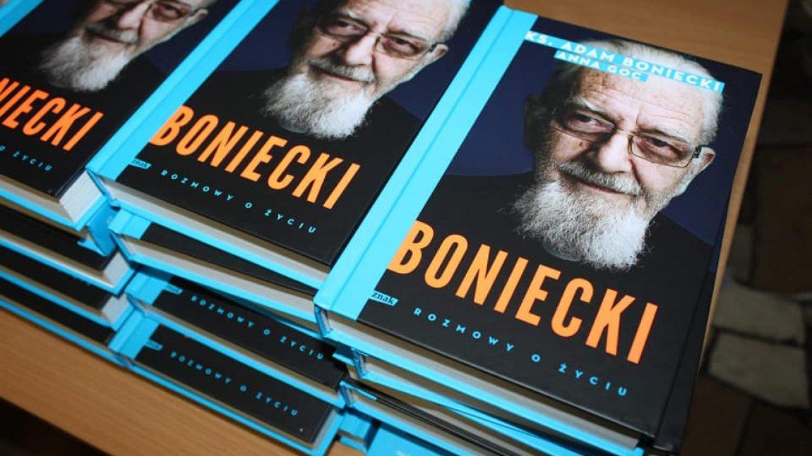 egzemplarze ksiązki